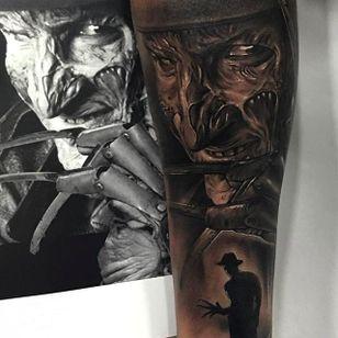Jaw dropping Freddy Krueger tattoo done by Fredy Tomas. #FredyTomas #ExoticTattoo #realistictattoo #portraittattoo #FreddyKrueger