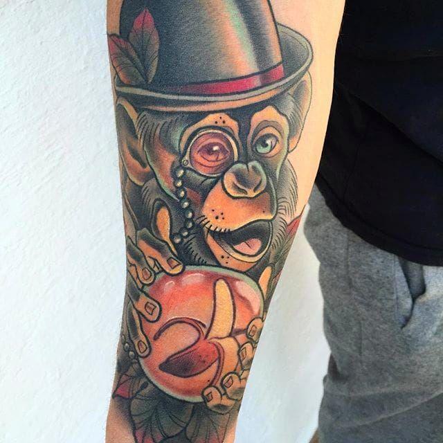 Awesome chimp with top hat. Tattoo by Alvaro Alonso. #AlvaroAlonso #NeoTraditional #animaltattoo #MalibuTattooSpain #monkey #chimp