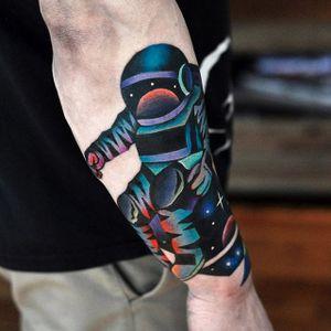 Astronaut tattoo by David Cote. #astronaut #space #DavidCote #trippy