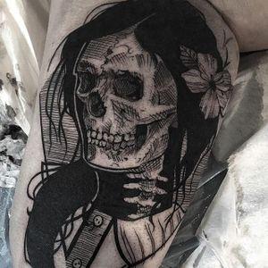 Skeleton Woman by Mike Riina (via IG-mike_riina) #sketch #freehand #blackandgrey #illustrative #portrait #MikeRiina #skeleton #flower #woman
