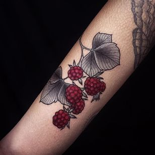 The black and grey leaves really make the red raspberries stand out. Tattoo by Alexander Masom. #raspberry #fruit #blackandgrey #AlexanderMasom #neotraditional