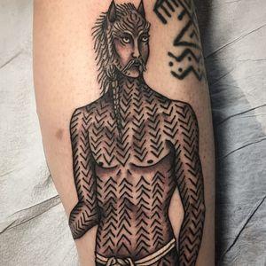 Ancient Creature. Tattoo by Matt Bivetto #MattBivetto #favoritetattoo #blackandgrey #man #primitive #ancient #creature #tribal #scifi #fantasy
