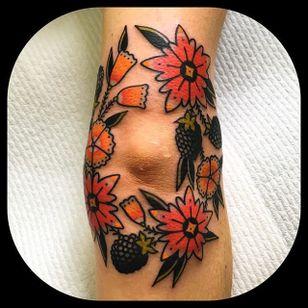 Elbow Bouquet by Leonie New (via IG-leonienewtattoos) #leonienew #traditional #color #girly #pretty #ChapelTattoo