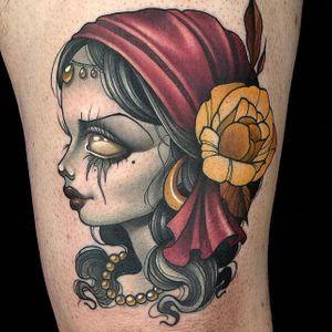 A morbid little gypsy lady head by Kelly Doty (IG—kellydotylovessoup). #gypsy #InkMaster #KellyDoty #ladyhead #NewSchool