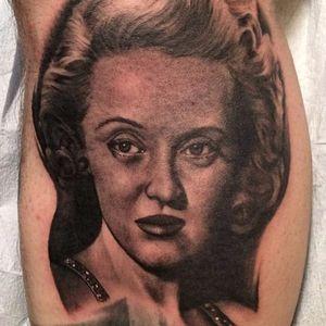 Bette Davis portrait by Bob Tyrell #hollywood #cinema #moviestars #blackandgrey #bettedavis #portrait #BobTyrell