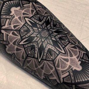 Black mandala tattoo by Mico @Micotattoo #Micotattoo #Mico #mandala #flower #dotwork #blackwork #blckwrk #dotshade #dotshading