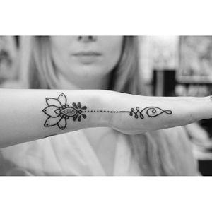 Unalome tattoo by Gina Ilczyszyn. #unalome #sacredgeometry #symbol #subtle