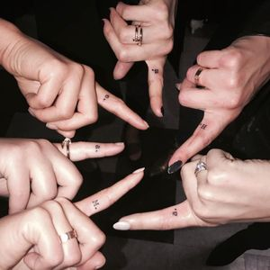 The cast of Pretty Little Liars show off their new tattoos. (Via IG - prettylittleliars) #entertainment #tv #prettylittleliars #popculture #finger