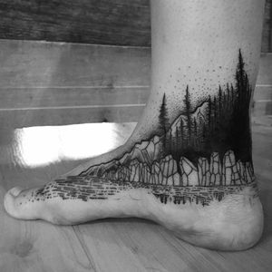 Mountain tattoo by Marie-Christine Gauthier #MarieChristineGauthier #monochrome #monochromatic #blackwork #dotwork #mountain #forest #lake #crystal
