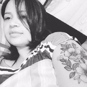 Elisangela Sampaio #mulhertatuada #mulheresdeatitude #tattoodobabes #brasil #brazil #portugues #portuguese