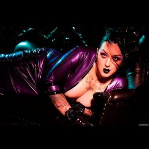 Kerosene owning that latex outfit Photo by Shannon Brooke #KeroseneDeluxe #plusmodel #tattooedlady #model #fetish #pinup #tattoomodel #ShannonBrookeImagery