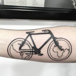 Cool bike map tattoo by Skull N Bones Tattoo #misskullnbonestattoo #skullnbonestattoo #biketattoo #maptattoo #colombiatattoo #tattoobogota #blackwork #blackink #bike #cykle
