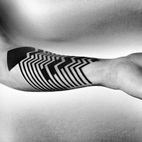 One of Ben Volt's bold yet intricate forearm bands (IG—benvolt). #abstract #avantgarde #BenVolt #bold #blackwork #experimental #geometric #minimalist #ornamental
