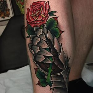 Gauntlet and Rose tattoo by Ick Abrams #IckAbrams #medievaltattoos #color #neotraditional #rose #flower #gauntlet #armor #armour #metalwork #hand #leaves