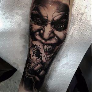 Joker tattoo by Benji Roketlauncha #BenjiRoketlauncha #realistic #blackandgrey #portrait #photorealistic #smoke #joker