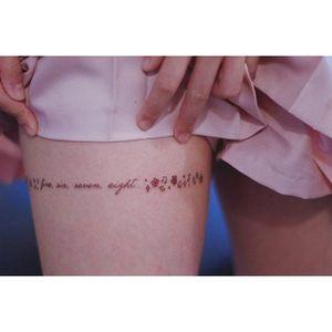 Thigh tattoo by Seoeon. #Seoeon #southkorean #korea #korean #subtle #micro #thighgarter