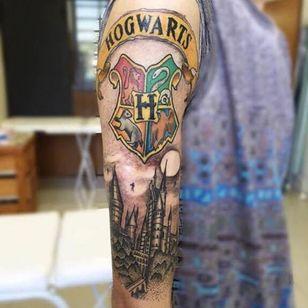 #harrypotter #hogwarts #potterheads #pontilhismo #dotwork #SamaraChristo #TatuadorasDoBrasil #TalentoNacional #comics #coloridas #colorful #brasil