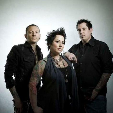 Chester Bennington, Thora Dowdell e Sean Dowdell, sócios do Club Tattoo Las Vegas! #LinkinPark #rock #musica #music #LinkinParkBrasil #brasil