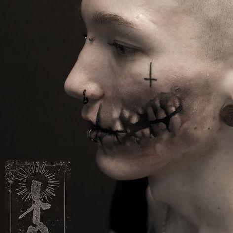 Incredible face tattoo by Neon Judas #NeonJudas #DavidRinklin #blackandgrey #realistic #realism #macabre #horror #skull #face