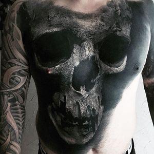Huge skull chest piece, by Sandry Riffard. (via IG—audeladureeltattoobysandry) #SandryRiffard #Skulls #Realism #Metal