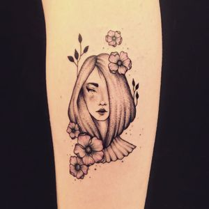 Tattoo por Marta Carvalho! #MartaCarvalho #TokaStudio #tattoobr #tattoodobr #woman #mulher #flower #flor #flores #flowers #delicate