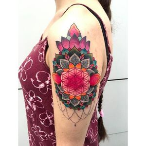 Flower of life mandala tattoo by @kajsa_redrosetattoo #redrosetattoo #gothenburg #sweden #psychedelic #neotraditional #geometric #mendhi #flower #floweroflife