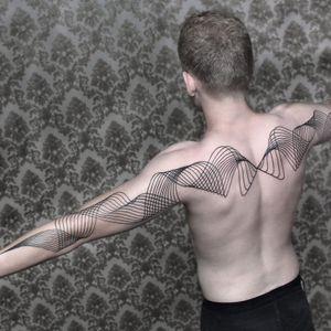 Tattoo by Chaim Machlev #Dotstolines #ChaimMachlev #geometric #lines #flow