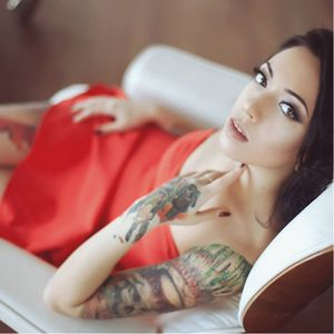 A tatuadora Valentina Ryabova!