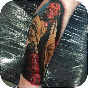 Hellboy tattoo by Arn Lyon. #Hellboy #darkhorse #comics #graphicnovel #character #colorrealism