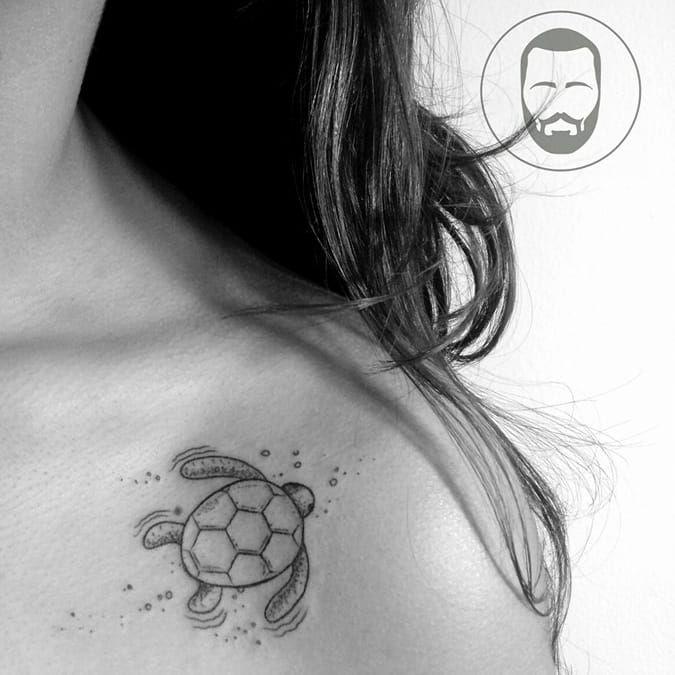 #tartaruguínea #tartaruga #minimalista #fineline #JoãoVictorMartins #aquarela #watercolor #coloridas #colorful #talentonacional #tatuadorbrasileiro #brasil