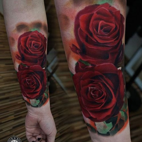 A pair of luscious red roses from James Artink's portfolio (IG— james_artink). #color #JamesArink #realism #roses