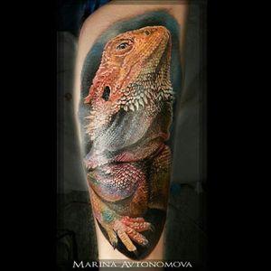 Iguana Tattoo by Marina Avtonomova #iguana #iguanatattoo #lizardtattoo #lizardtattoos #reptiletattoo #reptiletattoos #reptile #lizard #realisticlizard #realisticiguana #MarinaAvtonomova