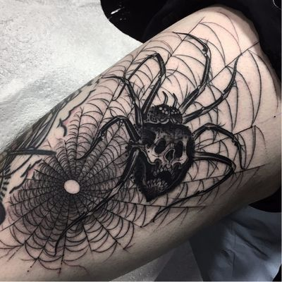 #LorenzoGentil #TatuadoresDoBrasil #Pretoecinza #blackandgrey #aranha #spider #teia #web