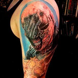 Cool chatterer tattoo with fine detail by Dan Henk #hellraiser #CliveBarker #cenobite #horror #movie #chatterer #DanHenk