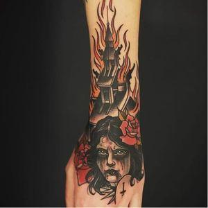 Goddamn, that's brutal. (Via IG - unclea) #neotraditional #blackmetal #uncleallan #churchburner #ladyhead