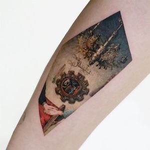 Piece of the Arnolfini Portrait by Van Eyck. Tattoo by Tattooist Doy #TattooistDoy #finearttattoos #color #painting #watercolor #realism #realistic #hyperrealism #reflection #portrait #vaneyck #arnolfiniportrait #mirror