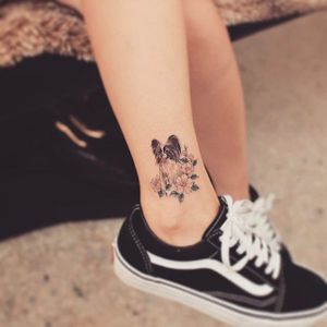 Cute dog tattoo by Grain. #Grain #TattooistGrain #fineline #animals #dog #pet #flowers #cute