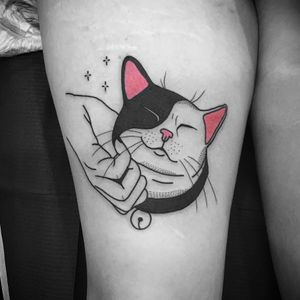 Sweetest cat tattoo by Noil Culture #NoilCulture #cattattoos #linework #popart #graphic #blackfill #illustrative #cat #hand #stars #petportrait #cute #bell #pink