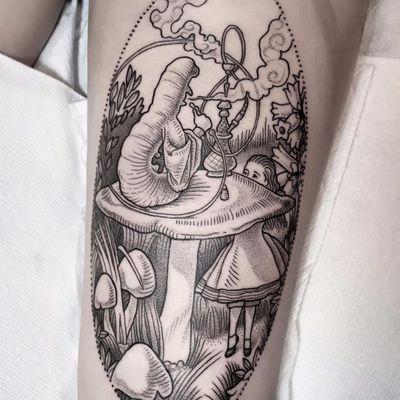 Who R U? by Maret Brotkrumen #MaretBrotkrumen #linework #woodblockstyle #illustrative #illustration #aliceinwonderland #booktattoo #alice #caterpillar #mushrooms #smoke #nature #blackwork #tattoooftheday