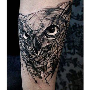 Alternative black and grey tattoo by Krzystof Sawicki. #KrzystofSawicki #blackandgrey #alternativ #sketch #owl