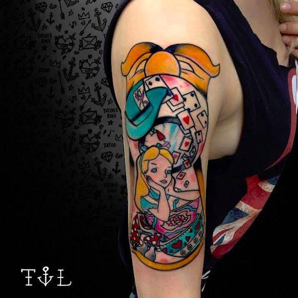 Por Thaís Leite! #ThaísLeite #TatuagemColorida #AliceNoPaisDasMaravilhas #AliceInWonderland #TatuadoresBrasileiros #TatuadoresBrasil