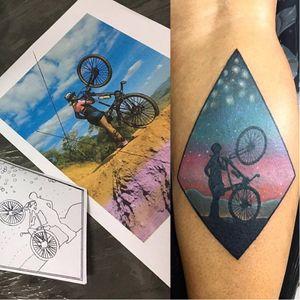 #MarvinTattoo #brasil #brazil #brazilianartist #tatuadoresdobrasil #bike #bicicleta #ceu #sky #paisagem #landscape #colorido #colorful