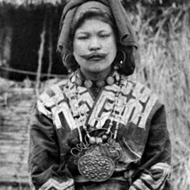 Ainu Woman of Japan, Cicra 1910. Photographer unknown. #Japanese #Tattooed #Ainu #Woman #Ainuwoman #Japan