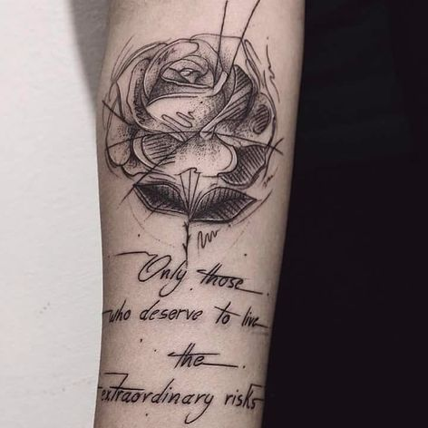 Rosa por Wesley Maik! #WesleyMaik #Tatuadoresbrasileiros #tatuadoresdobrasil #tattoobr #tattoodobr #SãoPaulo #blackwork #rose #rosa #flower #flor #quote #frase