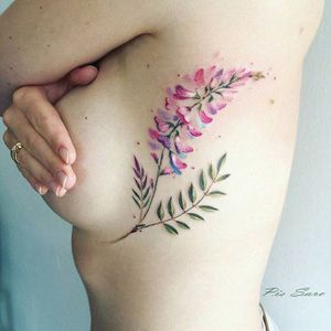 Floral tattoo made by Pis Saro (IG—pissaro_tattoo) #sideboob #side #boob #floral #flowers #watercolor