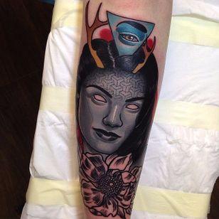 Evil Lady Tattoo by Piotr Gie #NeoTraditional #NeoTraditionalArtist #NeoTraditionalTattoos #ModernTattoos #BoldTattoos #PiotrGie