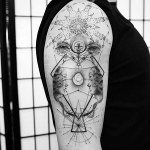 We are all made of stars tattoo by Balazs Bercsenyi #balazsbercsenyi #blackandgrey #geometrictattoos #mandala #eyes #symbol #shapes #triangle #faces #portrait #snake #moon #light #llinework #dotwork #tattoooftheday