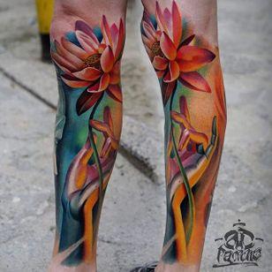 Flower Tattoo by Alex Pancho #flower #flowertattoo #realism #colorrealism #realistictattoo #abstractrealism #realistictattoos #AlexPancho