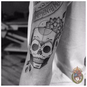 Caveira divertida #ApolonioLuz #tatuadoresbrasileiros #tatuadoresdobrasil #sketchtattoo #blackwork