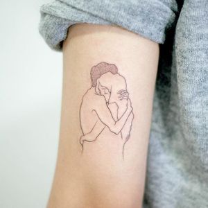 Fine line drawing tattoo by Doy. #Doy #lovers #fineline #drawing #subtle #illustration #moments #minimalist
